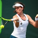 Johanna Konta beats Monica Niculescu to reach the quarter finals