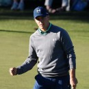Jordan Spieth takes one-shot lead into final round after late double-bogey spoils impressive round