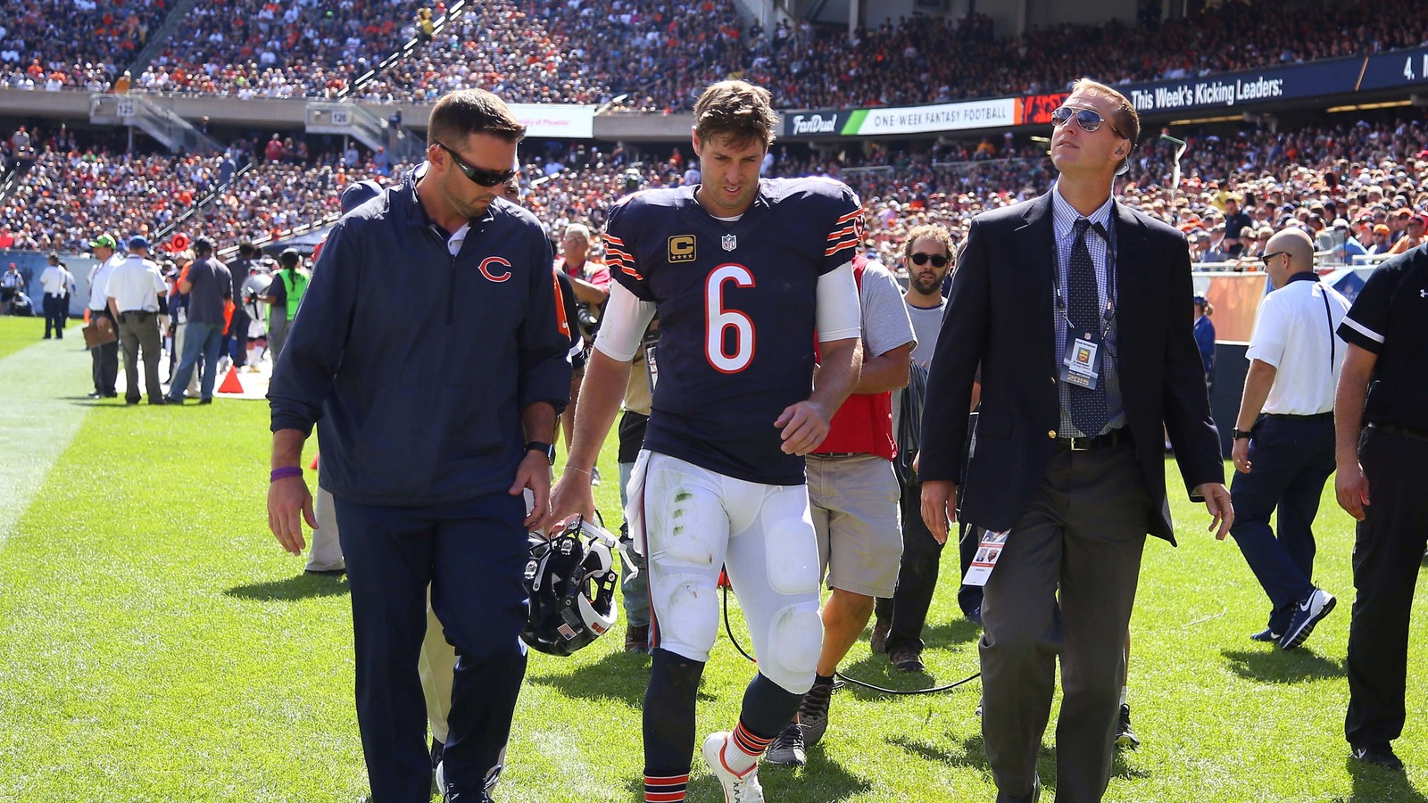 """Jay Cutler says he's 'concerned' about a right thumb injury""的图片搜索结果"