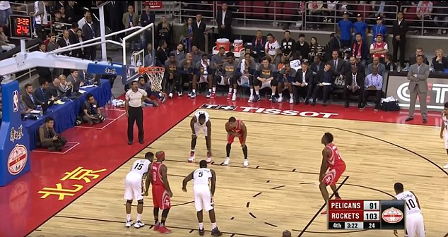 """Rockets rookie breaks out 'granny-style' underhand free throw in NBA debut""的图片搜索结果"