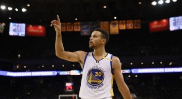 Curry has no plans to leave the Warriors
