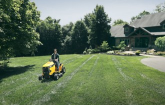 5 Ways to Make Your Lawn the Best in the Neighborhood